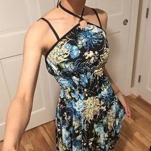 Dresses & Skirts - Black floral print dress